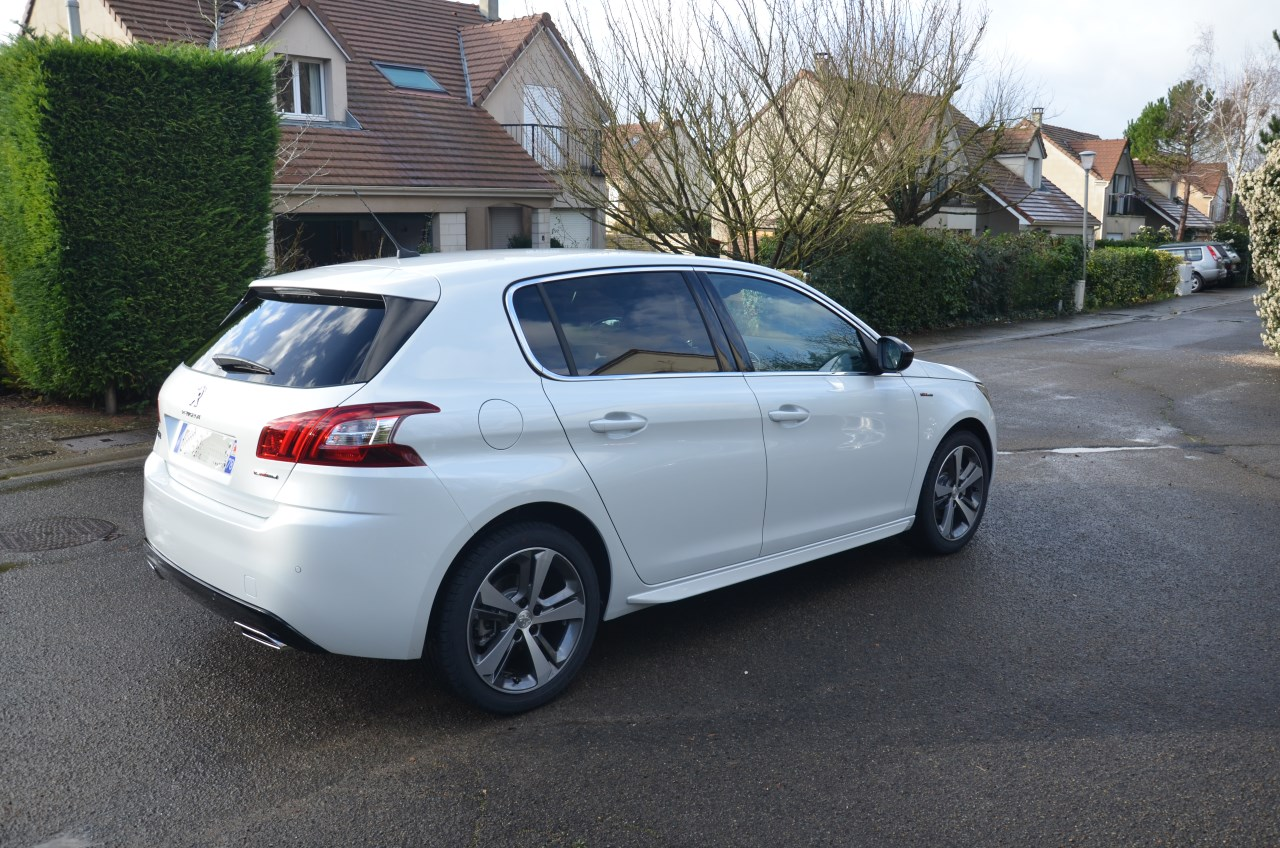 collaborateur peugeot 308